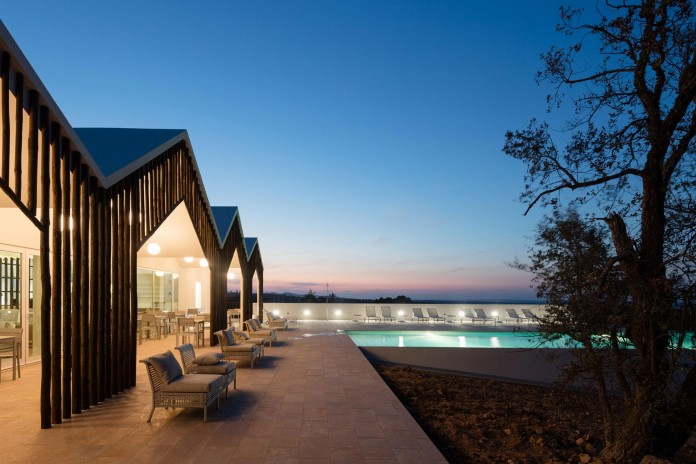 Vale-das-Sobreiras-Hotel-by-Future-Architecture-Thinking-34