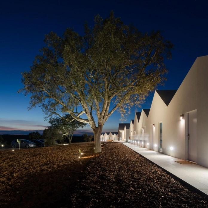 Vale-das-Sobreiras-Hotel-by-Future-Architecture-Thinking-35