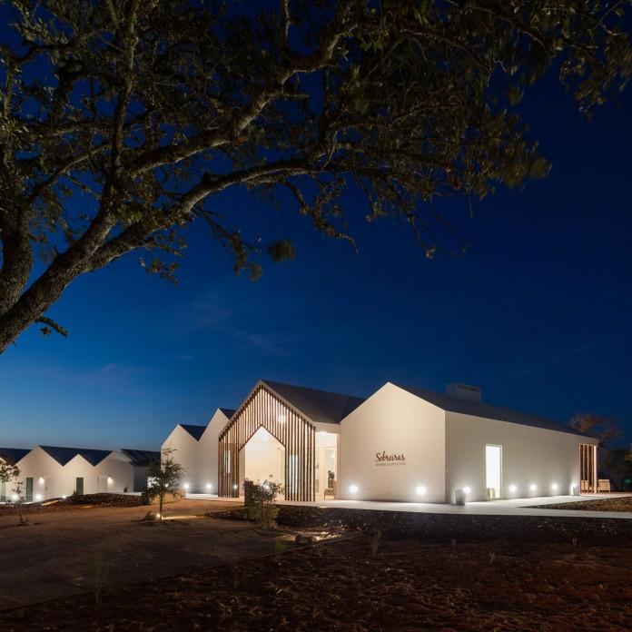 Vale-das-Sobreiras-Hotel-by-Future-Architecture-Thinking-36