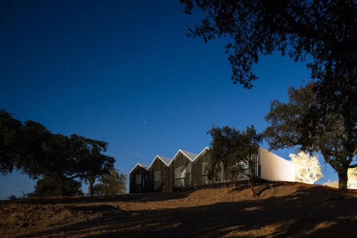 Vale-das-Sobreiras-Hotel-by-Future-Architecture-Thinking-37
