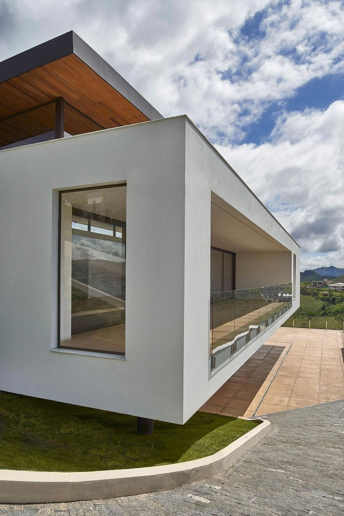 Valley-House-by-David-Guerra-05