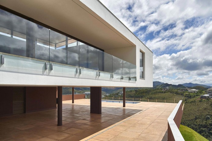Valley-House-by-David-Guerra-06