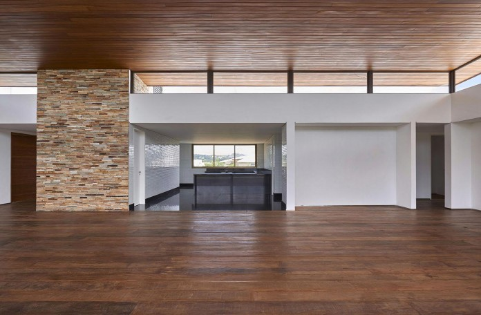 Valley-House-by-David-Guerra-12