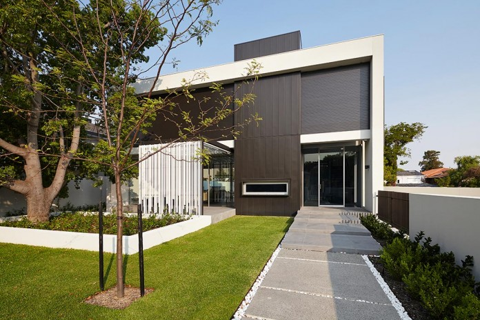 1021-Gallery-House-by-Craig-Steere-Architects-01