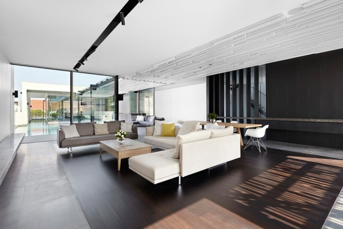 1021-Gallery-House-by-Craig-Steere-Architects-10