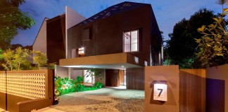 7 Namly Hill small semi-detached house in Singapore by ipli architects