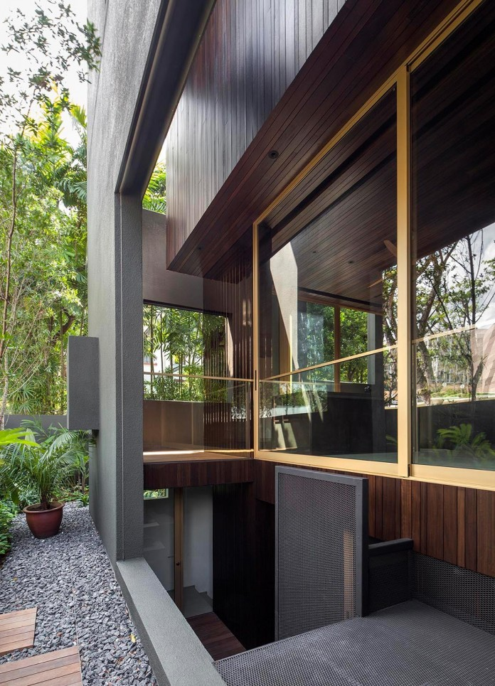 7-Namly-Hill-small-semi-detached-house-in-Singapore-by-ipli-architects-04