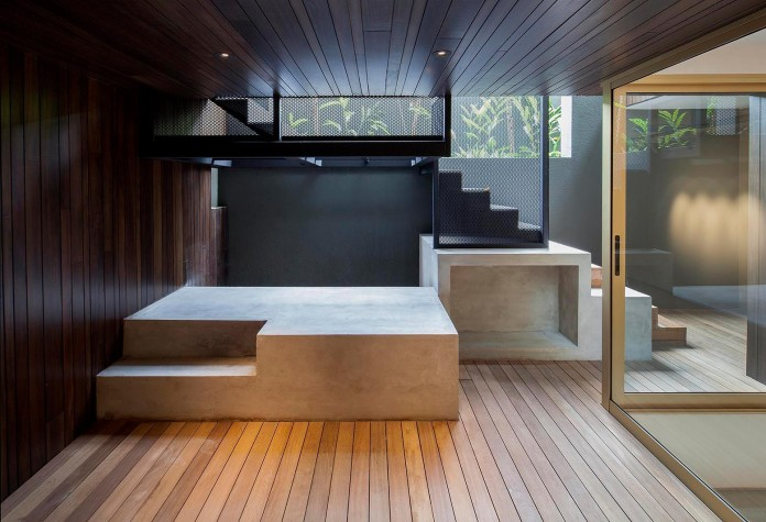 7-Namly-Hill-small-semi-detached-house-in-Singapore-by-ipli-architects-05