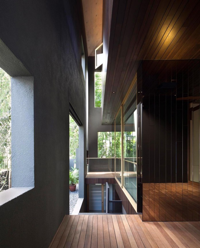 7-Namly-Hill-small-semi-detached-house-in-Singapore-by-ipli-architects-06