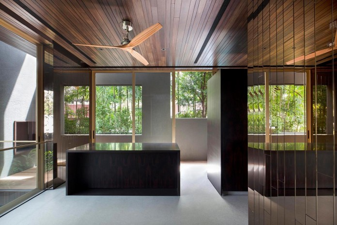 7-Namly-Hill-small-semi-detached-house-in-Singapore-by-ipli-architects-09