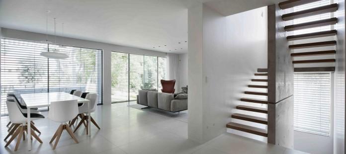 An-Aluminium-Vested-Home-by-Studio-de-Lange-03