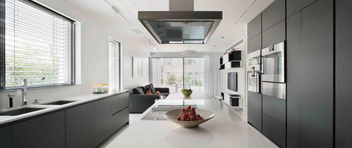 An-Aluminium-Vested-Home-by-Studio-de-Lange-06