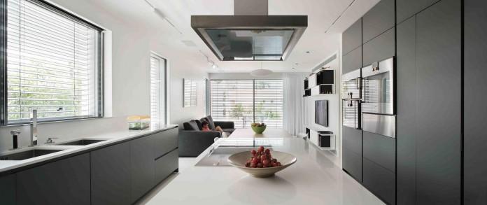 An-Aluminium-Vested-Home-by-Studio-de-Lange-06