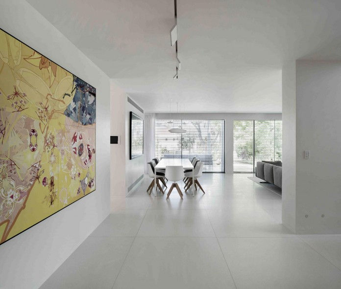 An-Aluminium-Vested-Home-by-Studio-de-Lange-07