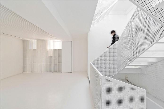 Beijing-Hutong-House-Renovation-by-ARCHSTUDIO-08