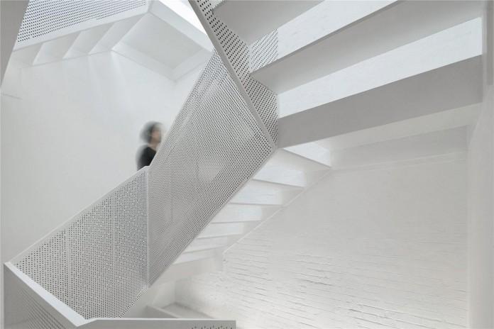 Beijing-Hutong-House-Renovation-by-ARCHSTUDIO-10