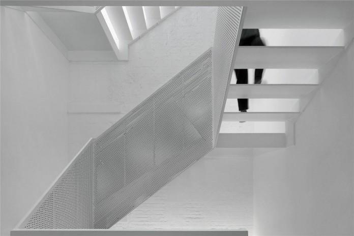 Beijing-Hutong-House-Renovation-by-ARCHSTUDIO-11