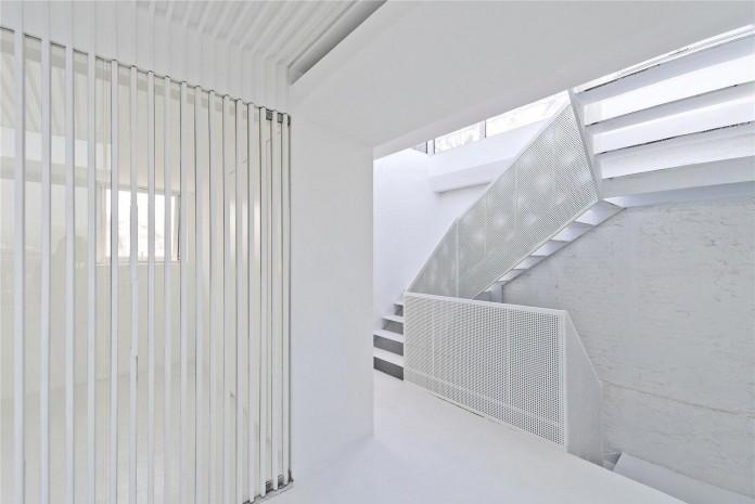 Beijing-Hutong-House-Renovation-by-ARCHSTUDIO-18