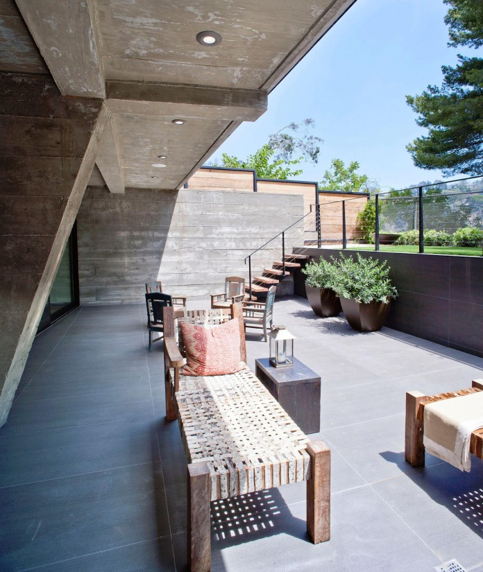 Bellino-Residence-by-Mayes-Office-13