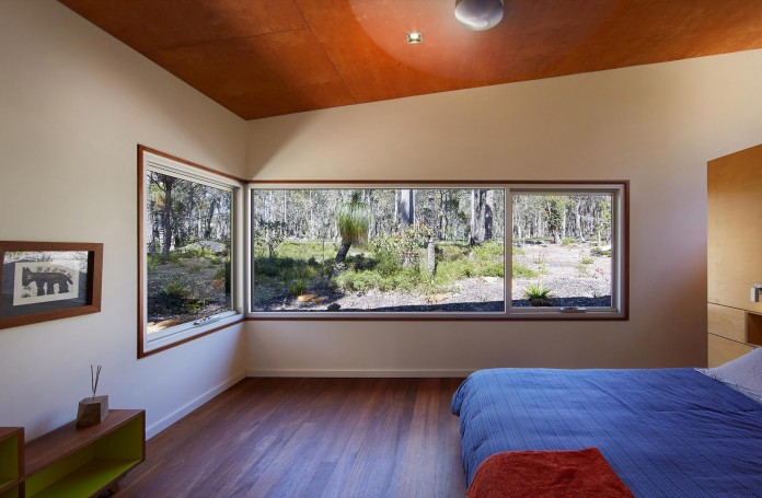 Bush-House-by-Archterra-Architects-10