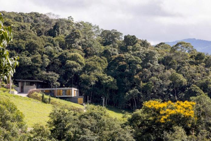 Casa-Santo-Antonio-by-H+F-Arquitetos-01