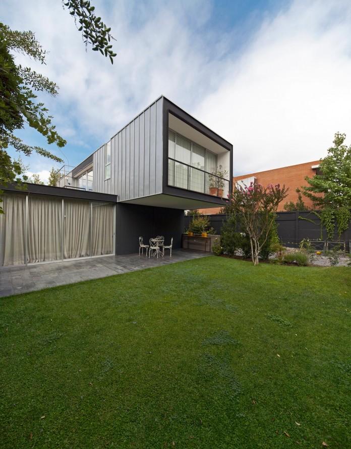 Casa-Vitacura-by-Riesco--Rivera-architects-03
