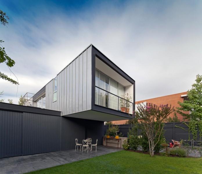 Casa-Vitacura-by-Riesco--Rivera-architects-04