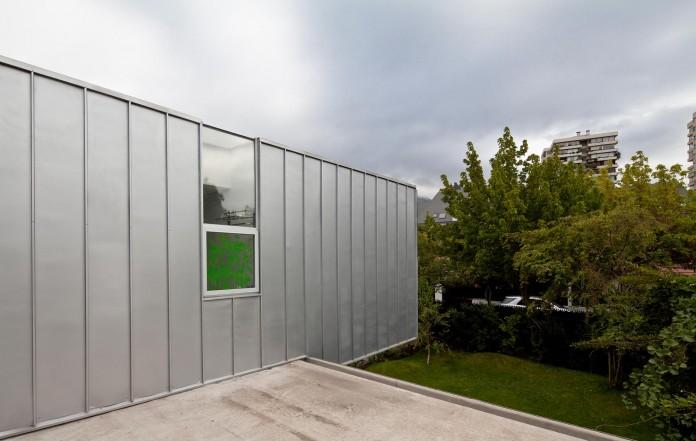 Casa-Vitacura-by-Riesco--Rivera-architects-05