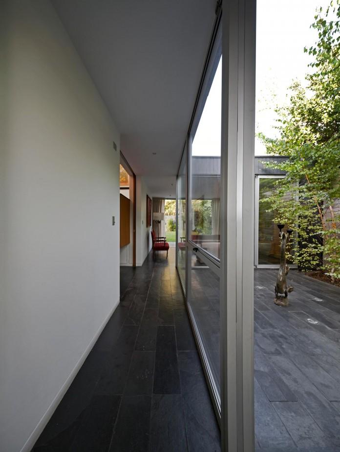 Casa-Vitacura-by-Riesco--Rivera-architects-07