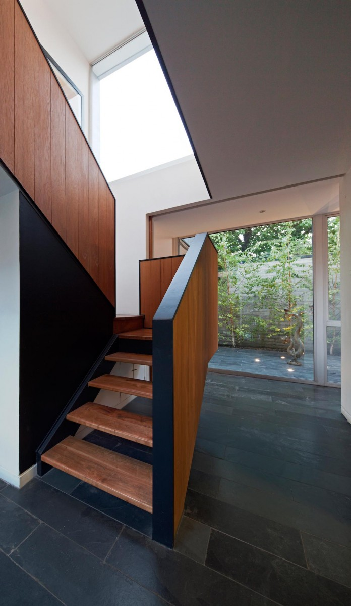 Casa-Vitacura-by-Riesco--Rivera-architects-09