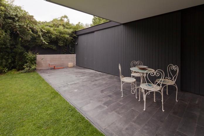 Casa-Vitacura-by-Riesco--Rivera-architects-10