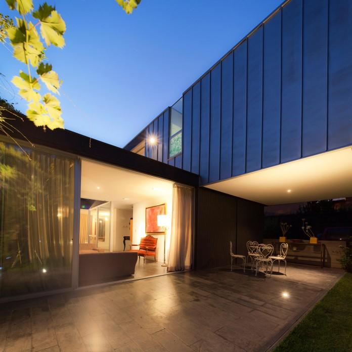 Casa-Vitacura-by-Riesco--Rivera-architects-12