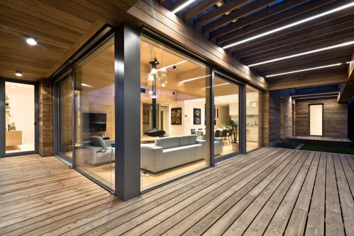 Cedar-House-by-Mariusz-Wrzeszcz-Office-10