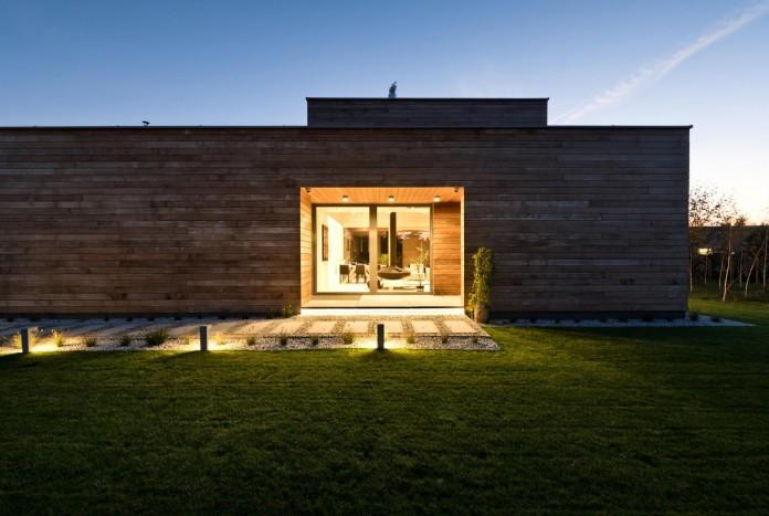 Cedar-House-by-Mariusz-Wrzeszcz-Office-11