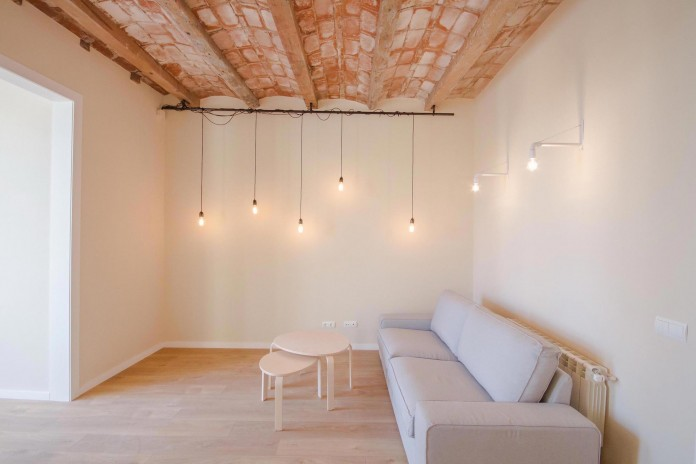 Charming-apartment-in-the-Gracia-district-in-Barcelona-by-Piedra-Papel-Tijera-Interiorismo-01