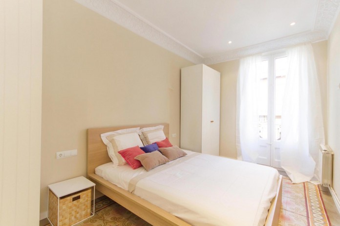 Charming-apartment-in-the-Gracia-district-in-Barcelona-by-Piedra-Papel-Tijera-Interiorismo-23