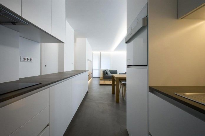 Clean-Environment-of-Apartment-P-in-Sofia-Bulgaria-by-Elia-Nedkov-07