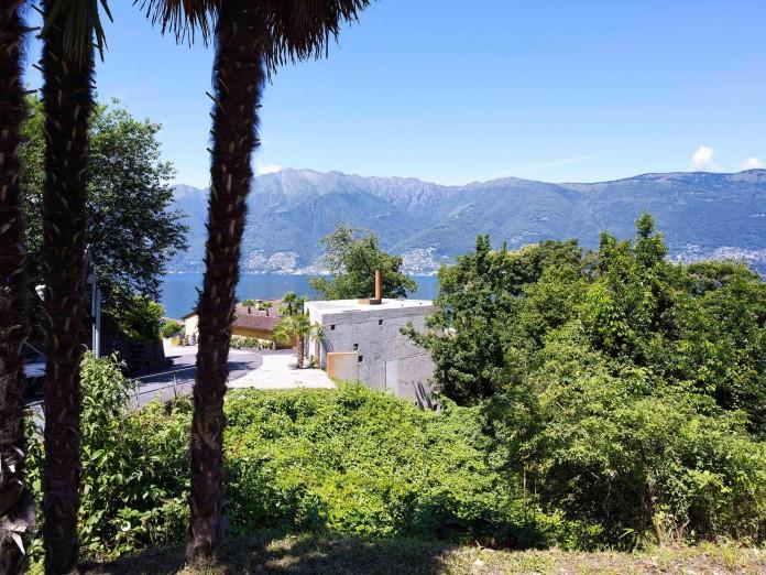 Concrete-House-in-Caviano-near-Lake-Maggiore-by-Wespi-de-Meuron-Romeo-architects-01