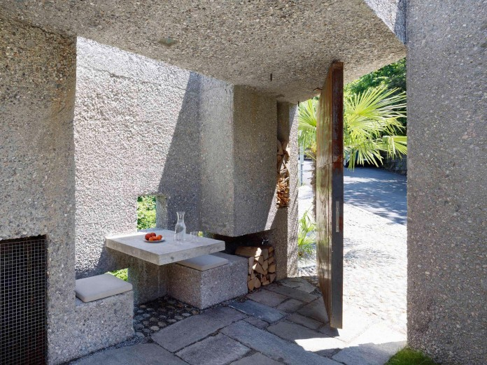 Concrete-House-in-Caviano-near-Lake-Maggiore-by-Wespi-de-Meuron-Romeo-architects-04
