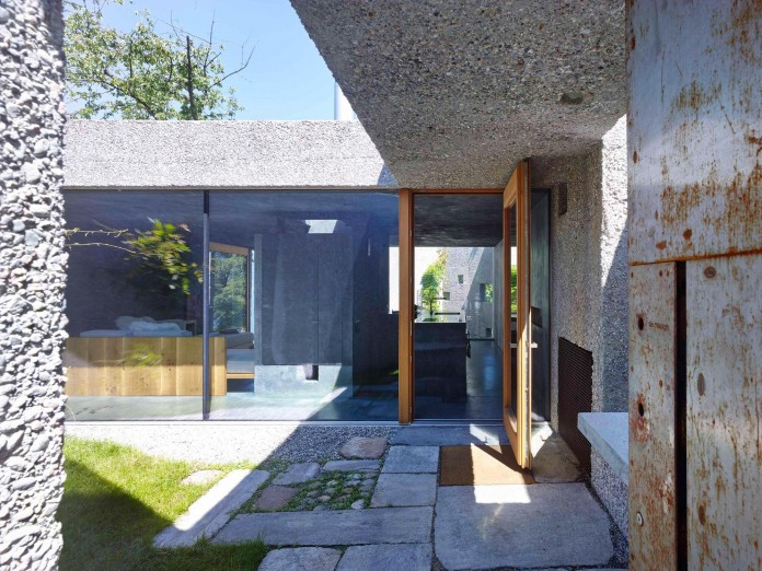 Concrete-House-in-Caviano-near-Lake-Maggiore-by-Wespi-de-Meuron-Romeo-architects-05
