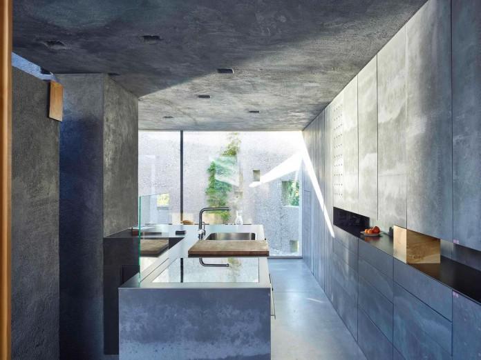 Concrete-House-in-Caviano-near-Lake-Maggiore-by-Wespi-de-Meuron-Romeo-architects-12