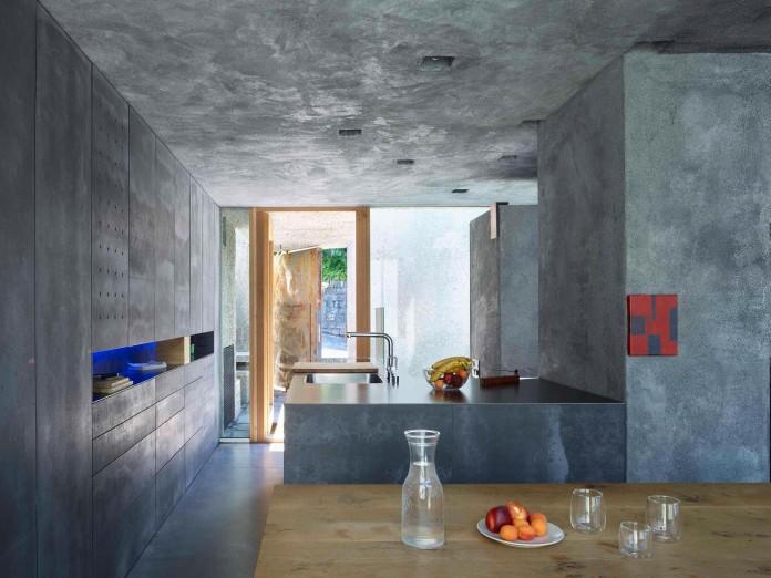 Concrete-House-in-Caviano-near-Lake-Maggiore-by-Wespi-de-Meuron-Romeo-architects-13