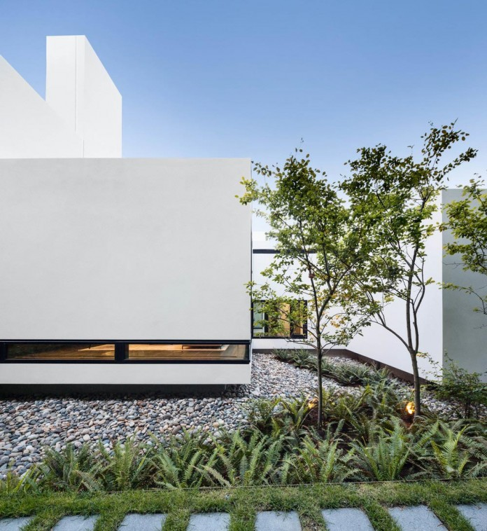 Contemporary-Yan-House-by-D-Arcy-Jones-Architecture-16