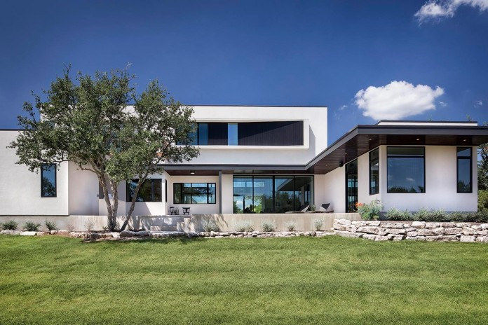 Contemporary-luxury-Lakeway-Residence-by-Clark-Richardson-Architects-02