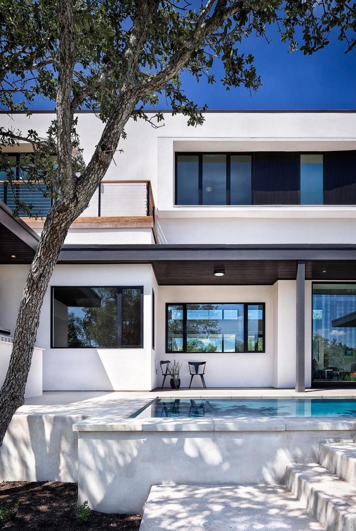 Contemporary-luxury-Lakeway-Residence-by-Clark-Richardson-Architects-03