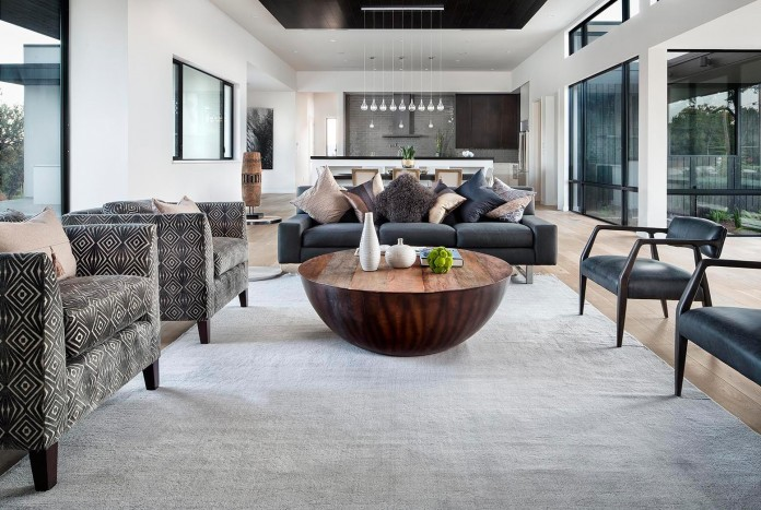 Contemporary-luxury-Lakeway-Residence-by-Clark-Richardson-Architects-15