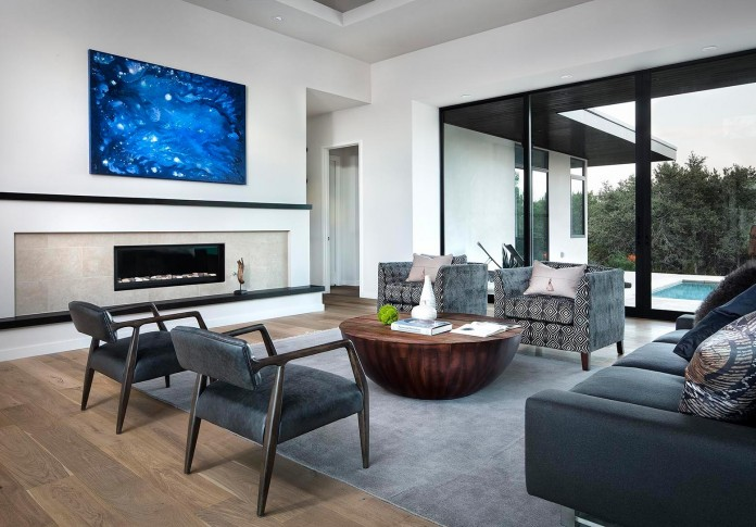 Contemporary-luxury-Lakeway-Residence-by-Clark-Richardson-Architects-16
