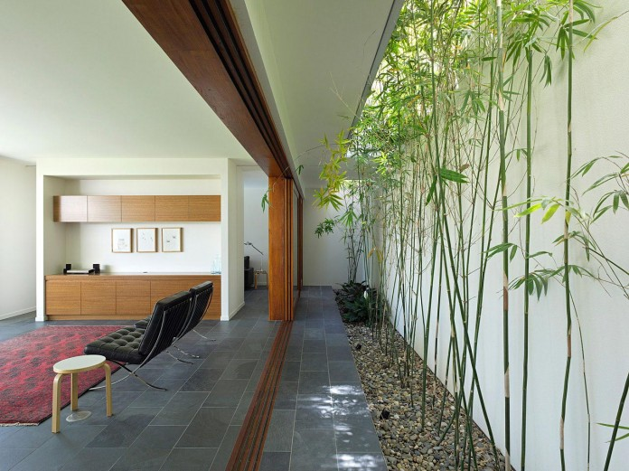 Fig-Tree-Pocket-House-2-by-Shane-Plazibat-Architects-06