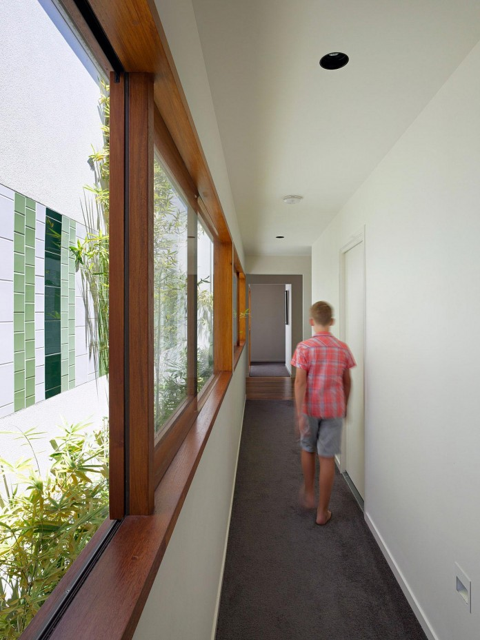 Fig-Tree-Pocket-House-2-by-Shane-Plazibat-Architects-14