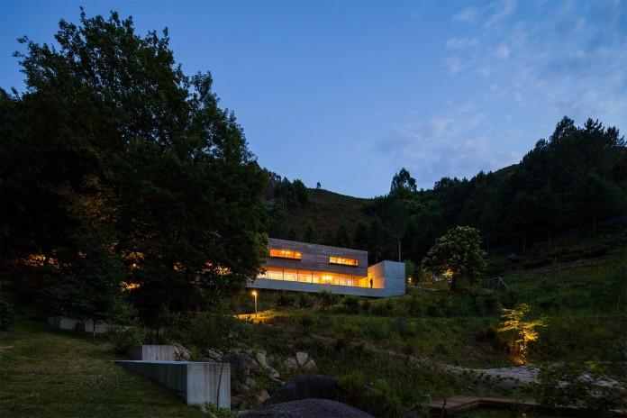 Geres-House-by-Carvalho-Araujo-Arquitectura-e-Design-12
